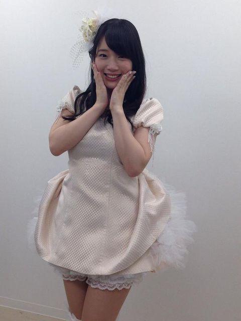 【画像】声優内田真礼さんのドレス姿のスタイル美がスゴすぎると話題