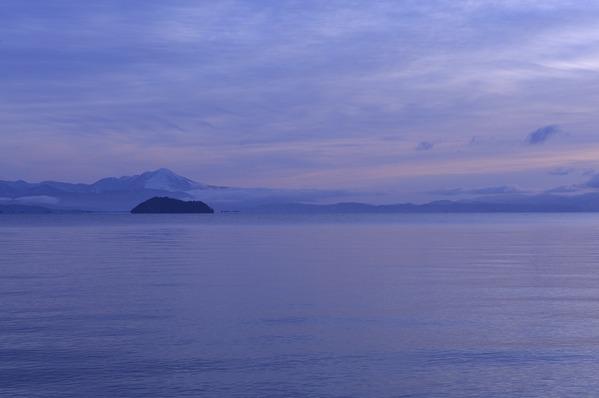 冬の竹生島