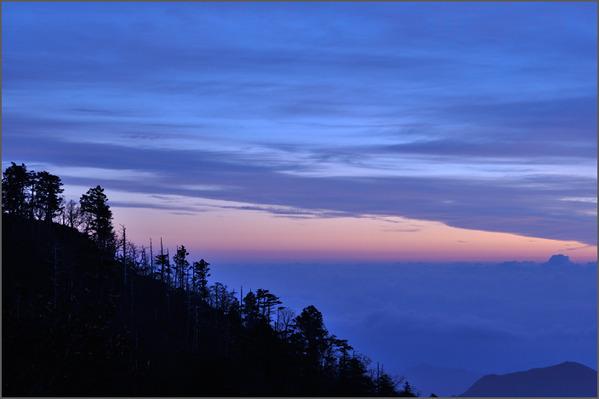 日出ヶ岳から