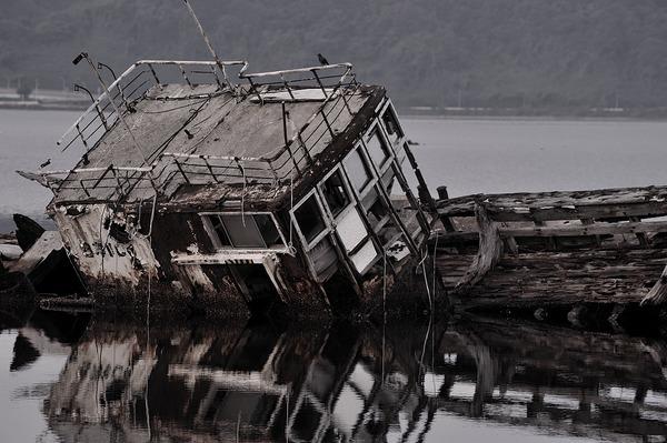 朽ちゆく船(大根島 8)