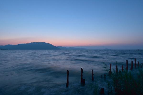 波のある風景