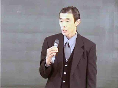 11吉谷社長様発表写真