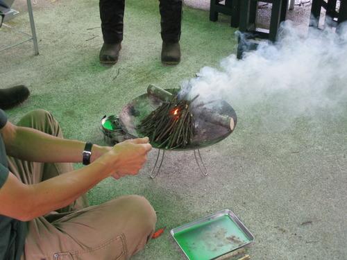 ブッシュクラフト体験第1回目 焚火のやり方 (14)