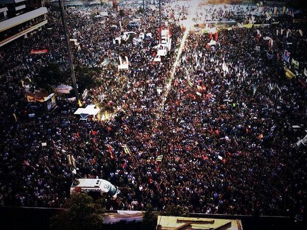 トルコ数十万人のデモ