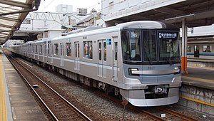 300px-Tokyo_Metro_13109_Nishiarai_20170930