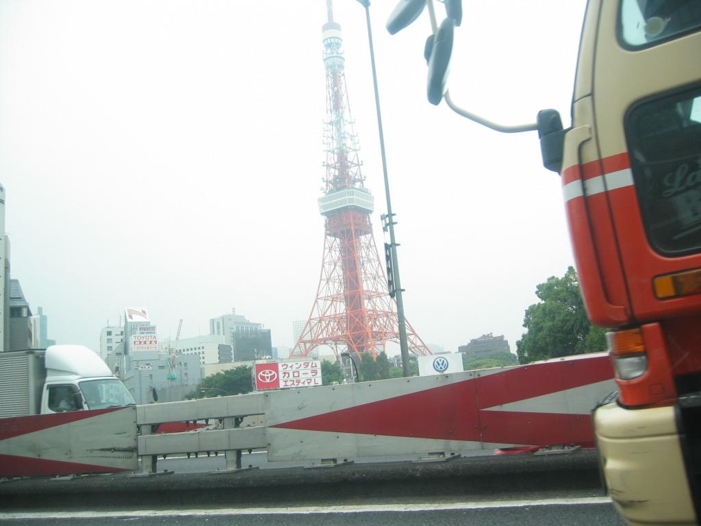 東京タワーを左に見て