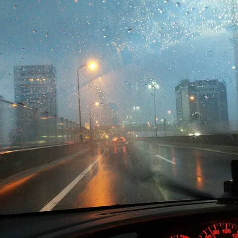 秋雨前線で土砂降りの宮崎弾丸出張旅行往路。関西空港 ...