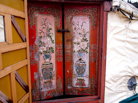 モンゴル ゲル 内ドア