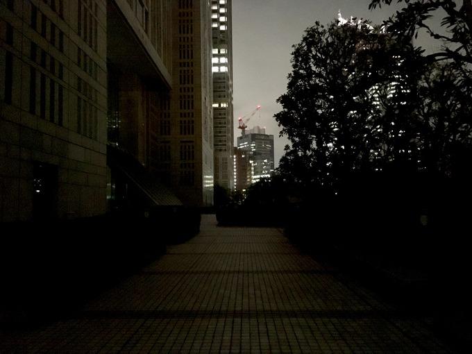 真夜中の路地