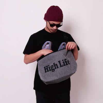 HighLifeZipShoulderBack01-min