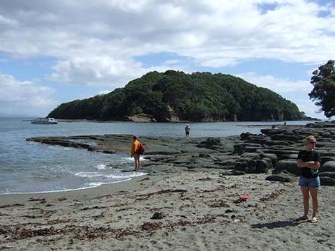 z2008_1218_0631_DSCF4896ゴート島海洋保護区