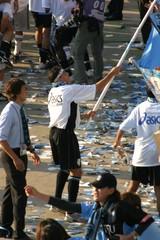20041002 大旗を振るアウグスト
