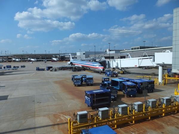 DFW MD-80