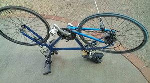 ... 自転車通勤中 : TREK 7.3FX タイヤ