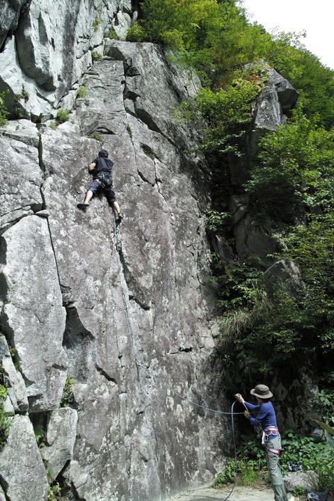 外岩デビュ yuu3