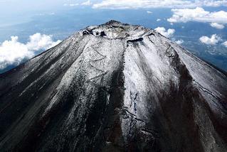 富士山初冠雪110924