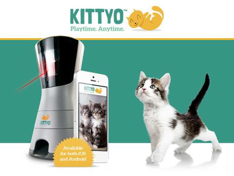 レーザーポインタを使って大興奮させつつ安否確認もできるデバイス「Kittyo」