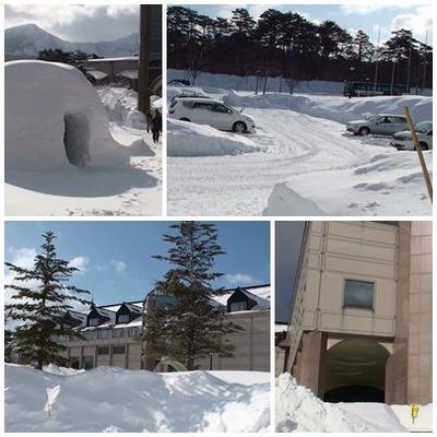 pageホテル玄関前の雪景色