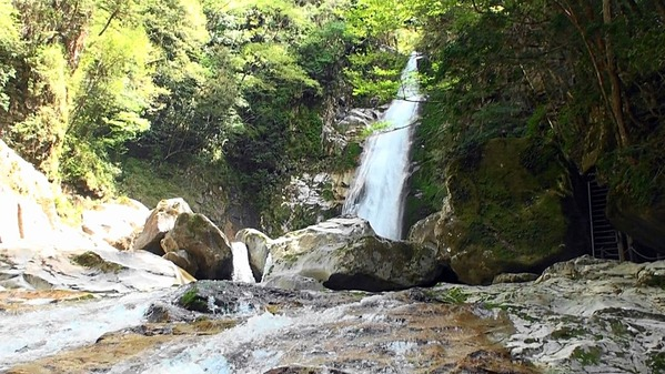 熟年夫婦笹の滝1