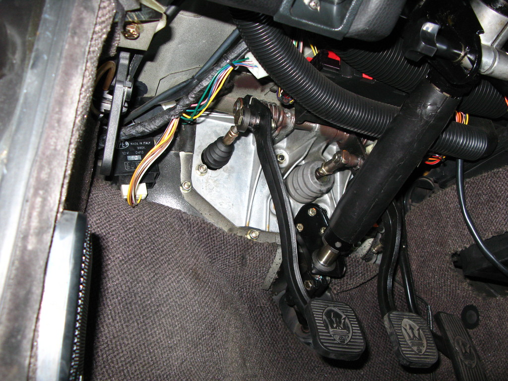 AM479 / Maserati Shamal Update Clutch master cylinder O/H