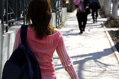 walking-386718__340