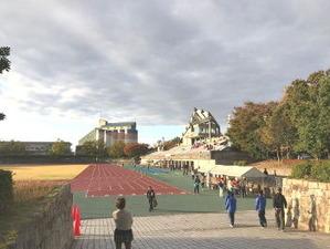 松任総合運動公園陸上競技場です