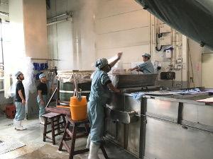 いよいよ蒸米作業