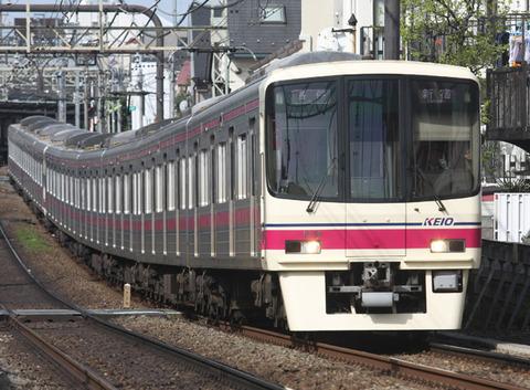 【雪】震えながら駅で4、5時間待たされる!