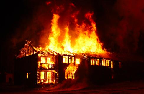 サンダースカフェ 全焼