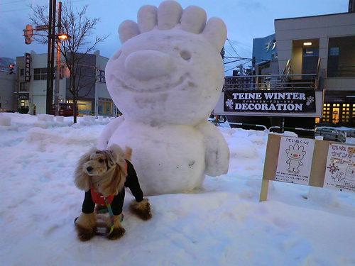 メープルと雪像