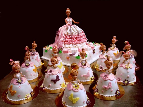Barbie cake and mini barbie cakes_enl