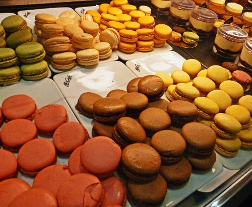 Paris-pastry-Mcdonalds-macaron-550x452