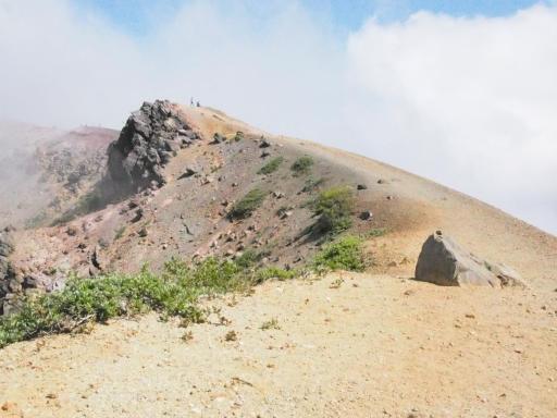 201080617・磐梯旅行記9-12・変な岩の真上まで