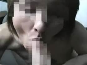 【個人撮影】ドエロい熟女!車の中で撮影されている熟年不倫カップルの情事投稿映像があまりに生々しい件