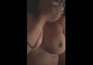 【エロ動画 素人】 スマホで撮影された巨乳カノジョとのリアルなハメ撮り映像