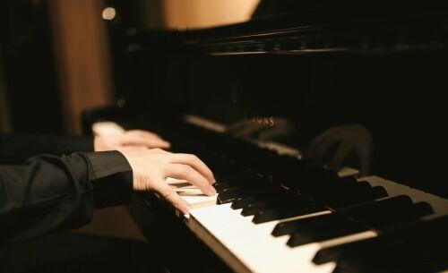 作編曲・ピアニストだけど安価でピアノアレンジして弾く