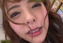 【主観】図書室で誘惑声我慢SEX!見つめられ淫語&チンポコキ 小悪魔制服JK美少女!!小倉由菜