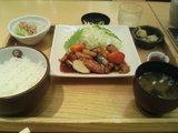 大戸屋の「豚の黒酢あんかけ定食」