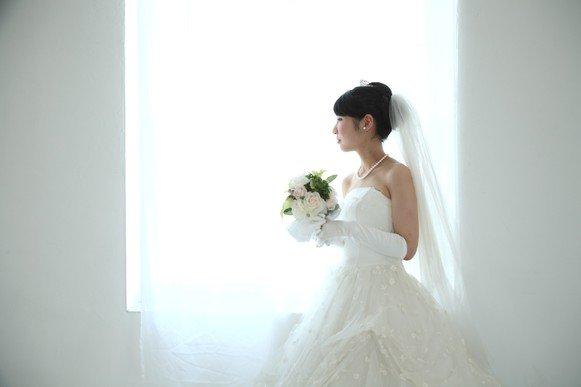 【悲報】女子さん、ついに一人で結婚する