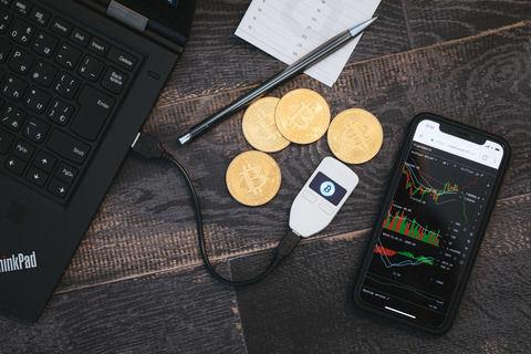 【仮想通貨】アップル、アイフォーンでの仮想通貨の「採掘」を禁止