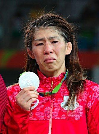 【吉田沙保里】涙のリオ五輪、金メダル逃し4連覇ならず !!!! 「銀メダルに終わってしまって申し訳ないです」と悔し泣き。【女子レスリング・オリンピック】【動画像あり】