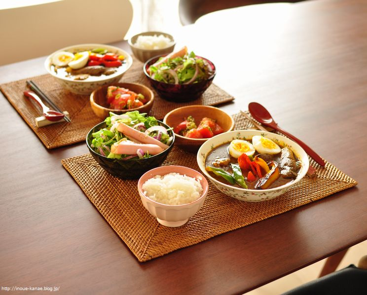 夏野菜たっぷり!ビタミンカラーのスープカレー*トマトのジンジャーマリネ*生野菜とハムのサラダ(サニレタ、紫玉ねぎ、豆苗、ハム)