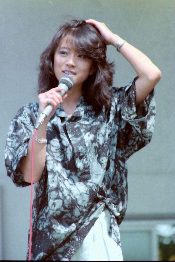 akina_nakamori2_19850512