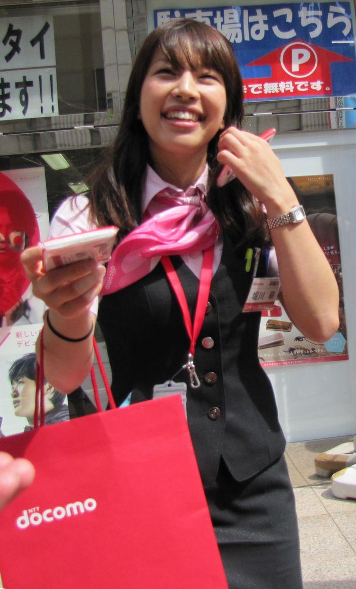 2010年 横浜開港記念みなと祭 国際仮装行列 第58回 ザよこはまパレード (沿道のコンパニオンさん編)