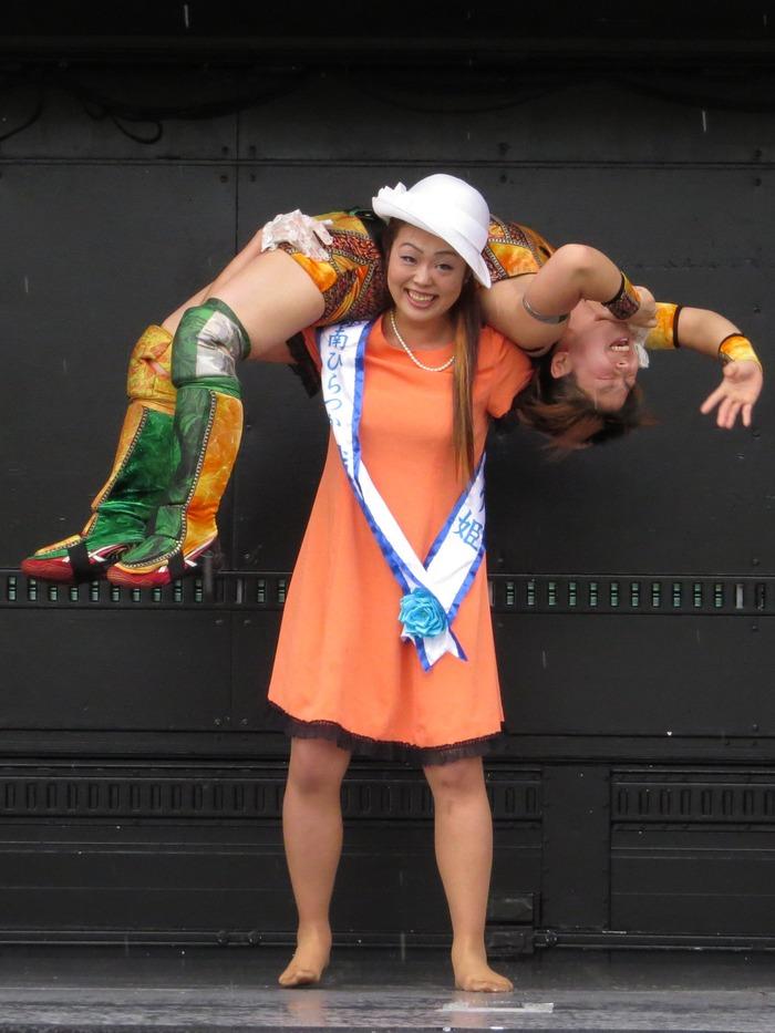 前代未聞。。。おしとやかなはずの湘南ひらつか織り姫がステージ上で大暴れ!!