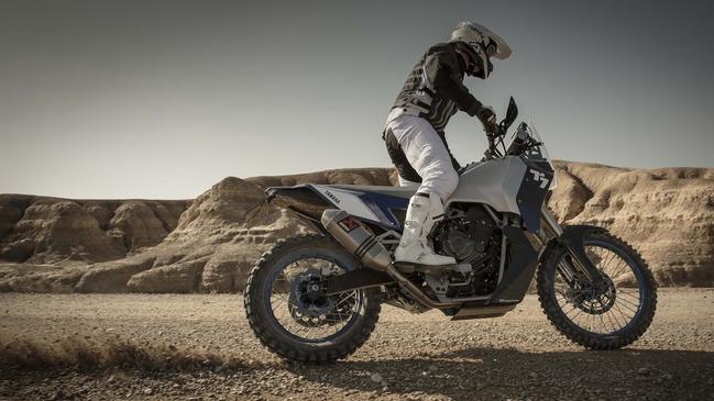 Yamaha-T7-Concept-action-04
