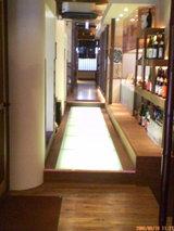 店内の座敷へ続く廊下