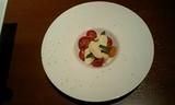 トマトとチーズの…