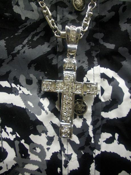 十字架アップ ↑
