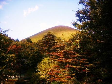 天使巡礼天使堂から大室山を望む 2010/11/7